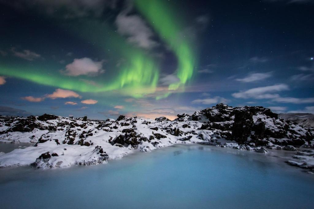 Laguna albastră din Cercul de Aur al Islandei - blumenonline.ro