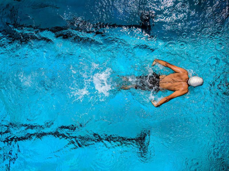 înot cu dureri articulare