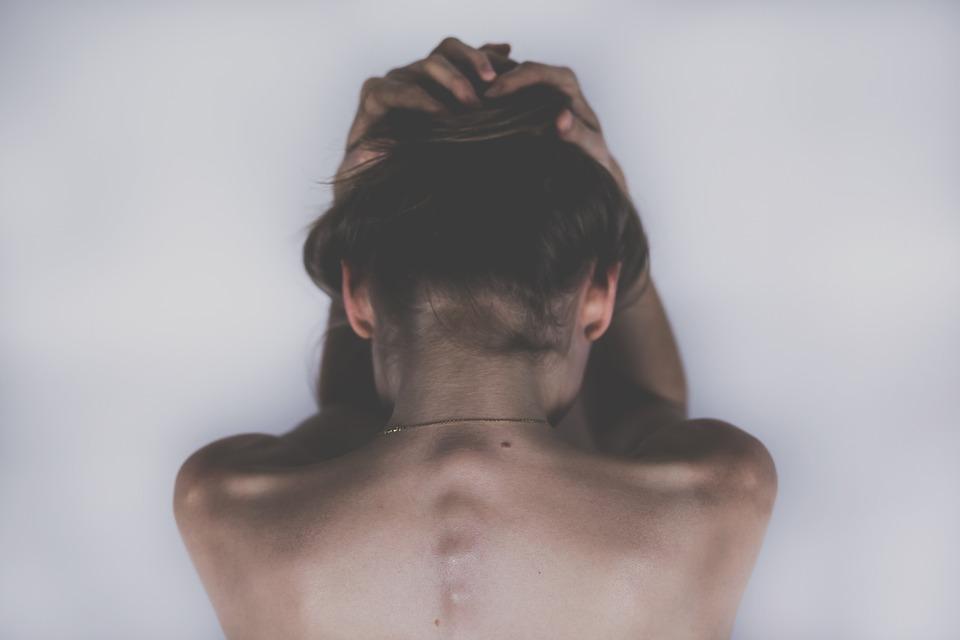 dureri la nivelul articulațiilor și dureri de cap)