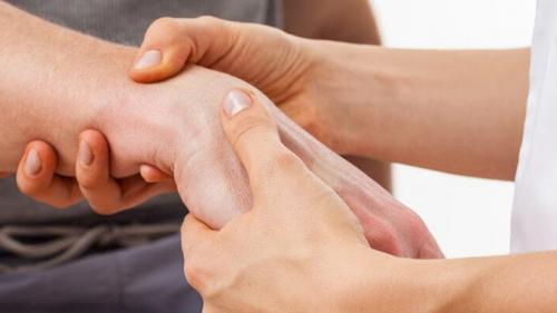 cum să tratezi o articulație la umăr rece