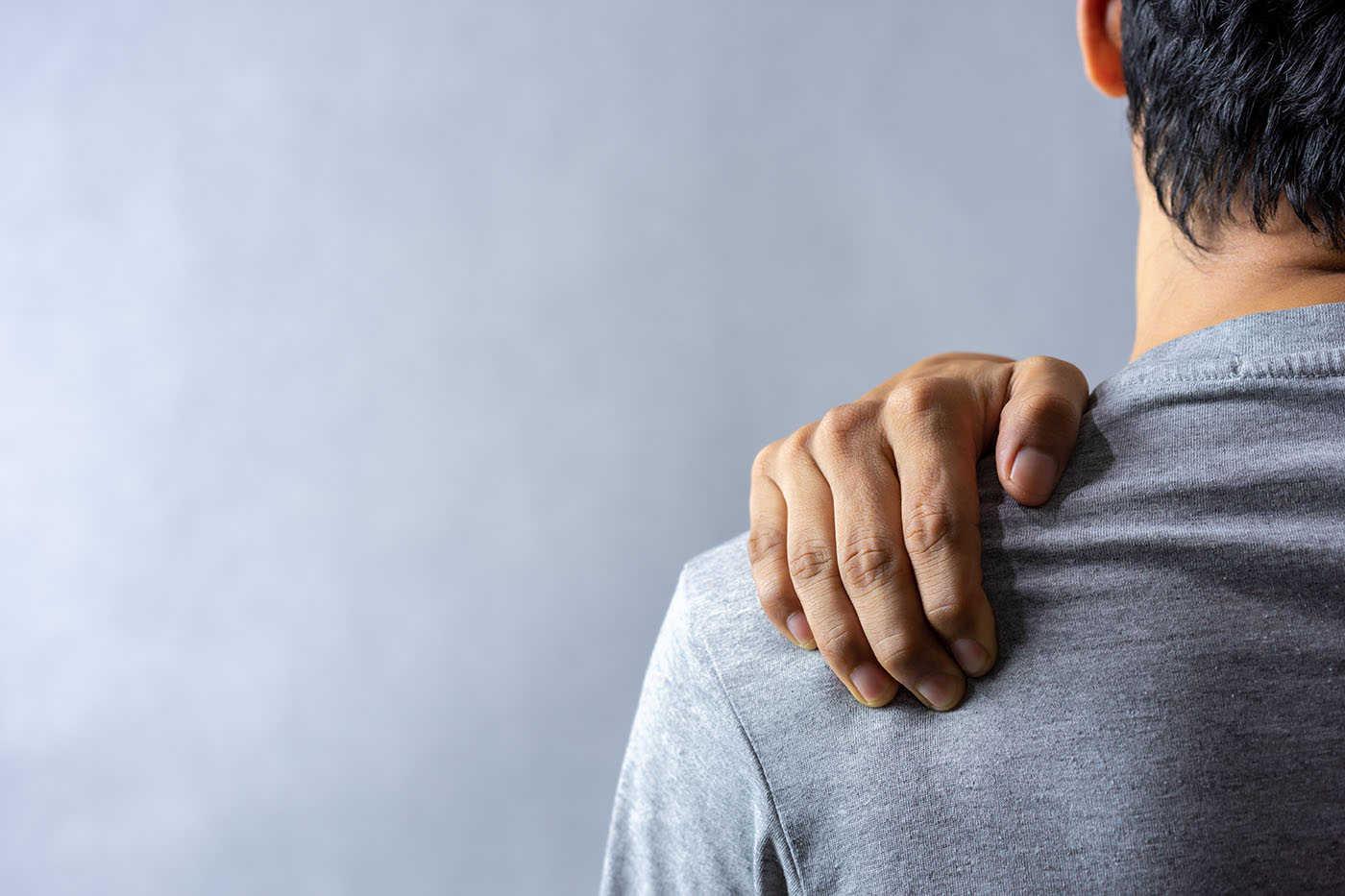 cauza durerii în articulația umărului mâinii drepte durere în articulația mâinii stângi în umăr