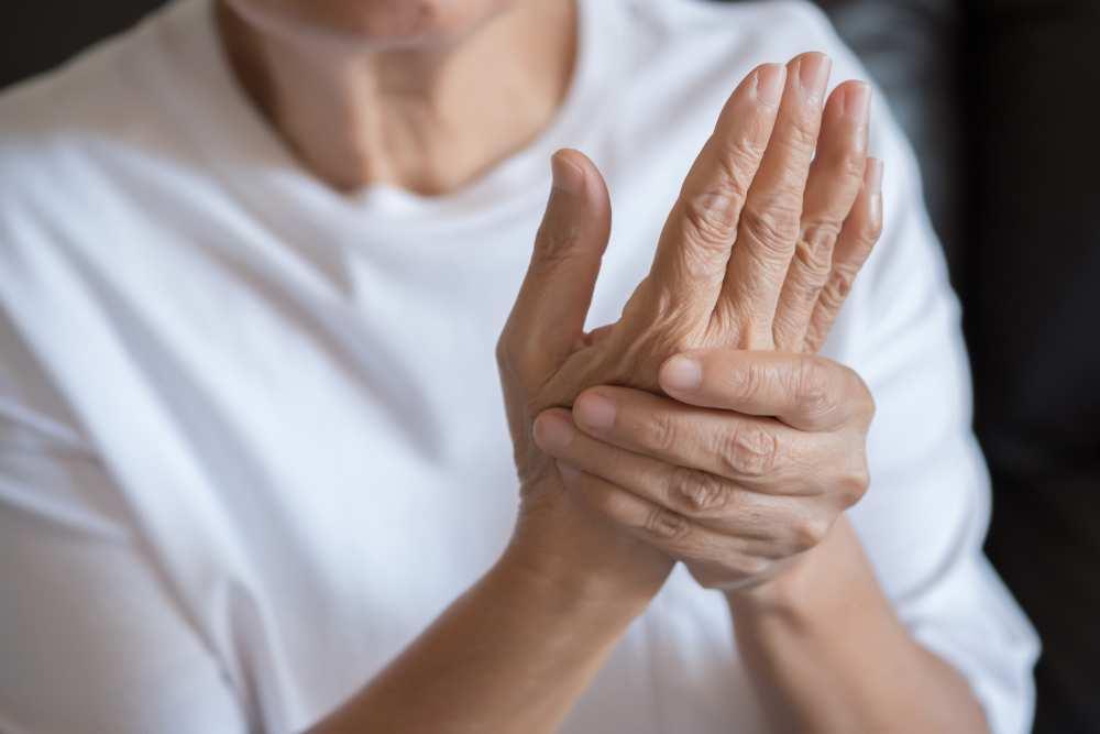 artrita reumatoidă a genunchiului stâng)