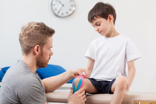 dureri articulare și crize la adolescenți