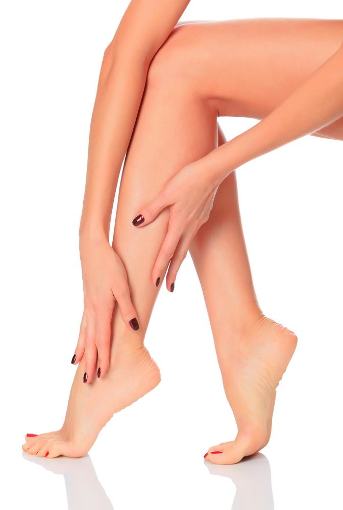 articulația pe picior doare și se umflă