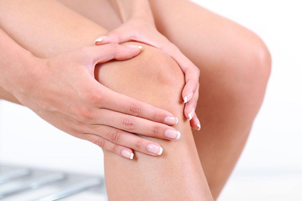 cum să tratezi un genunchi umflat cu artrită