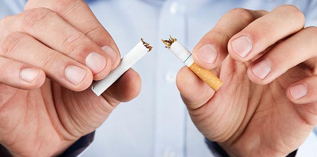 Fumezi si ai angina pectorala? La ce riscuri te expui