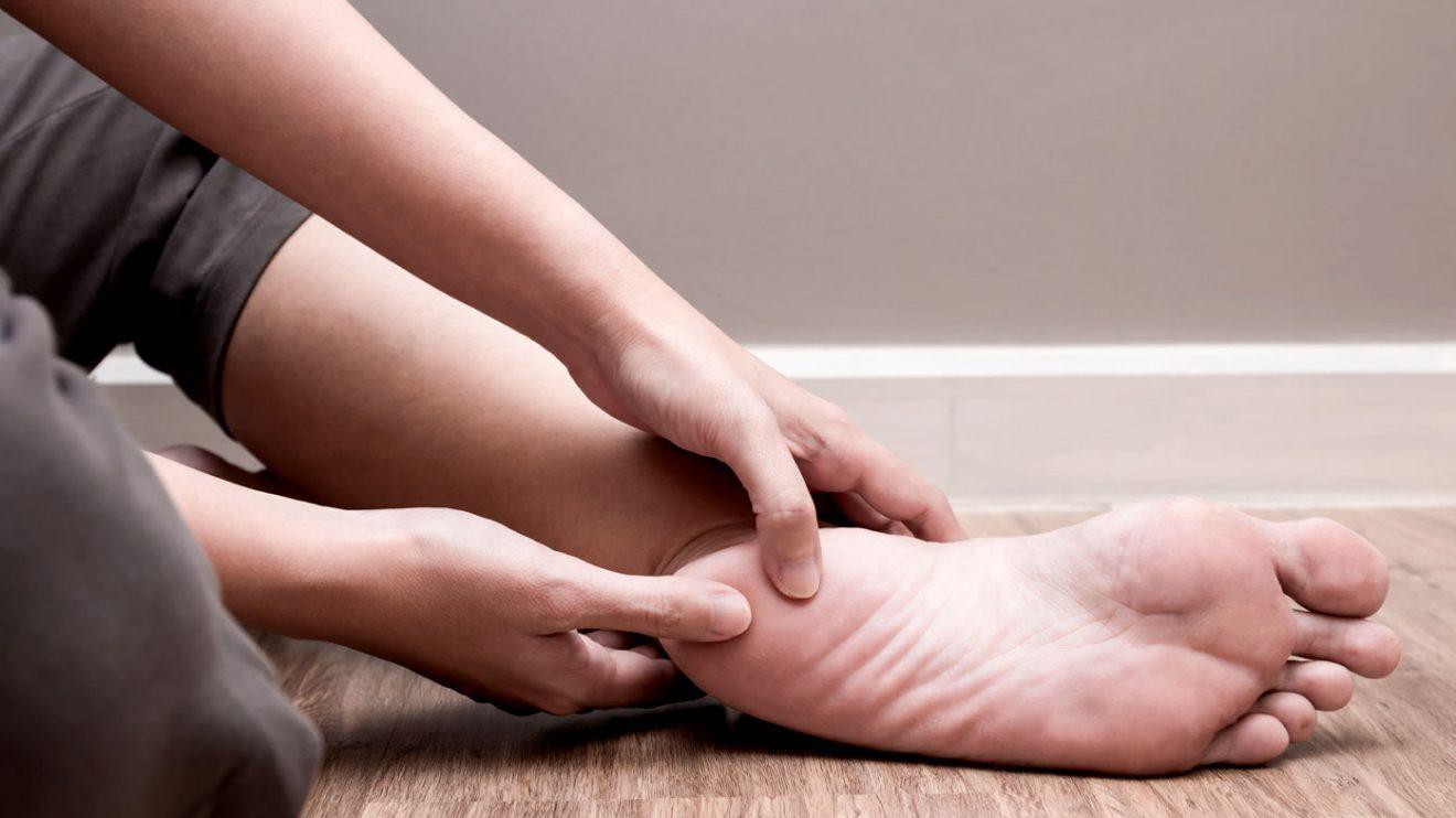 Durerea de calcai – din ce cauza apare, ce remedii functioneaza si cand sa mergi la medic