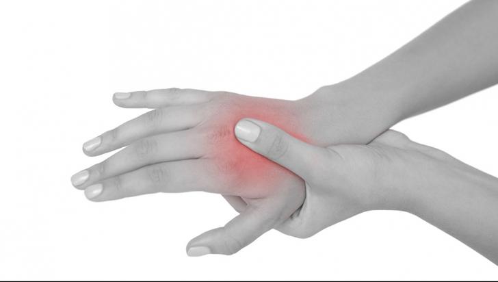 durere lungă în articulația umărului