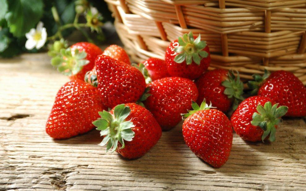 Codițele de la căpșuni pot calma durerile articulare și inconfortul gastro-intestinal (studiu)