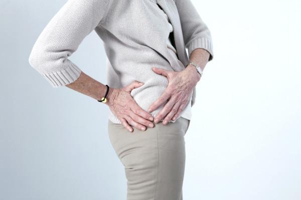 Durere bruscă în coapsă și șold, simptomele, Durere în vârful articulației șoldului