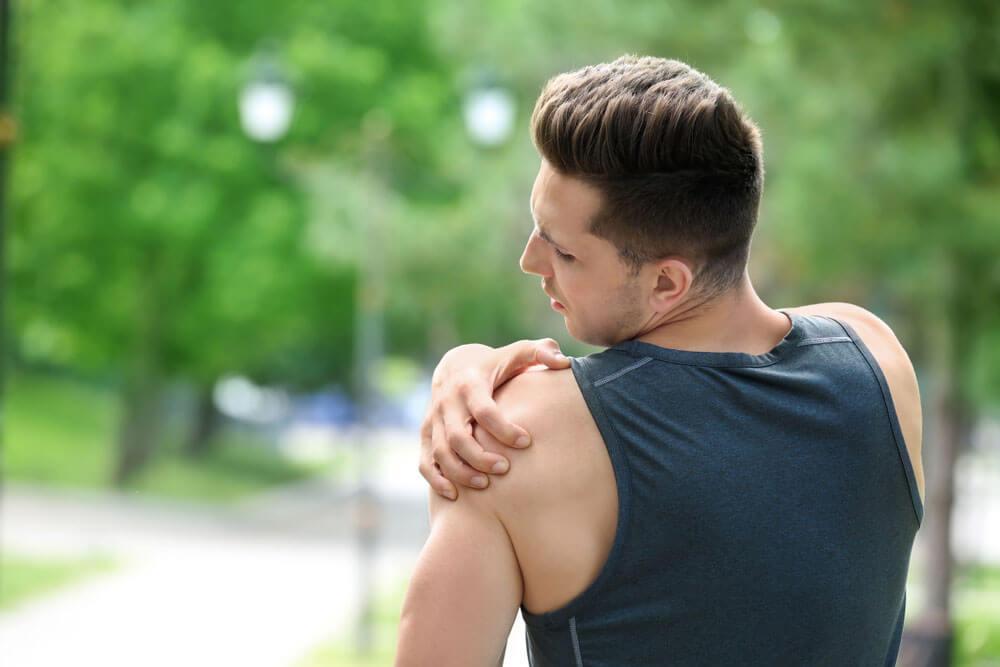 Cele mai bune remedii naturale pentru durerea de umăr