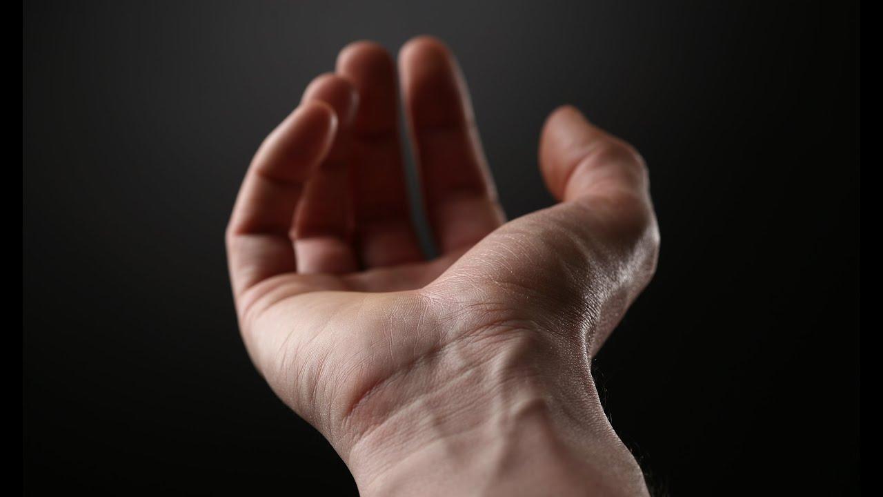 dureri la încheietura mâinii de-a lungul spatelui)