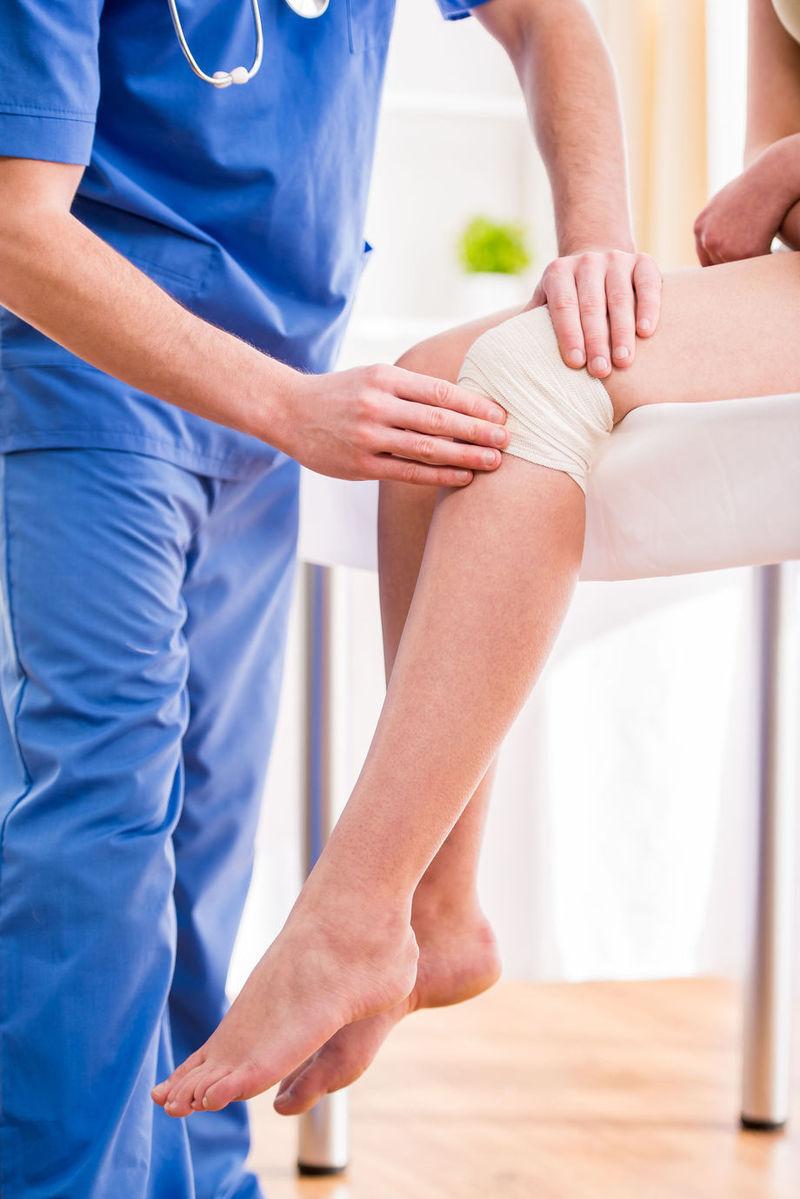 durere la picior în genunchi)