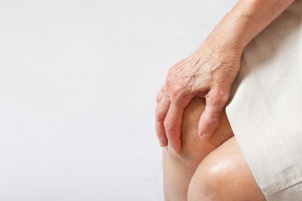 Este posibil să înoți cu artroza articulației genunchiului)