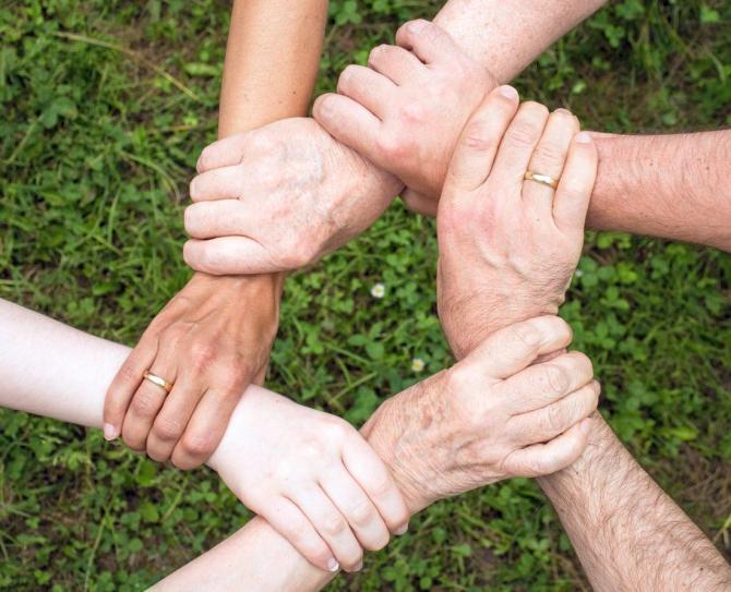 chirurgia mâinilor pentru artrită umflarea articulației cu diabet