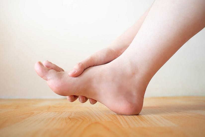 inflamația și umflarea articulațiilor piciorului