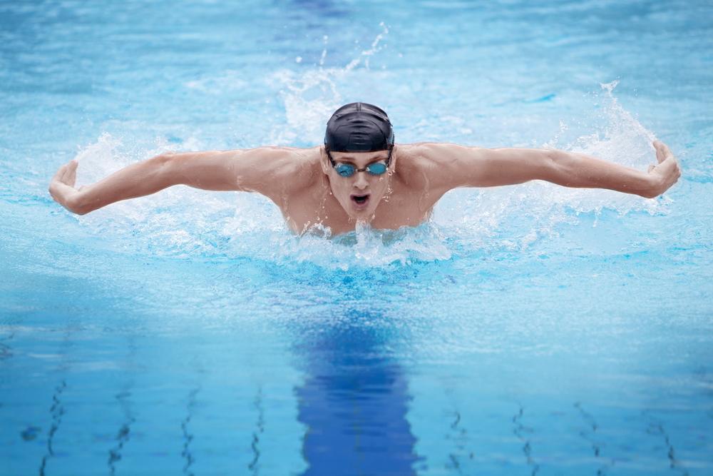 înot cu boală articulară)
