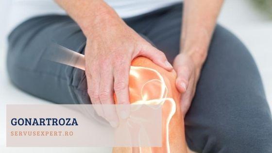 asistenta medicală ajută durerea articulară