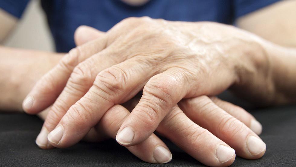 tapotând cu artroza genunchiului