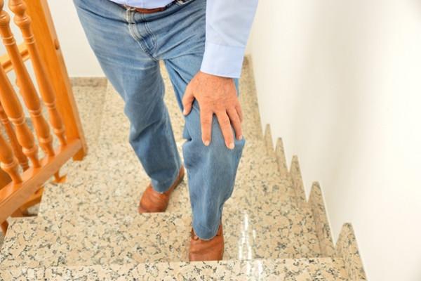 combaterea durerilor de genunchi)