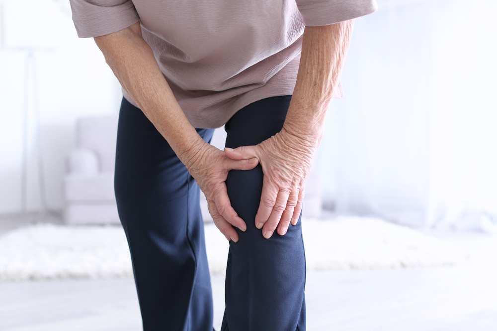 tratează articulațiile umflate