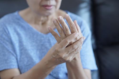 cum să tratezi artroza cu degetul mare)