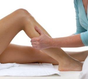 durere noaptea sub pielea genunchiului)