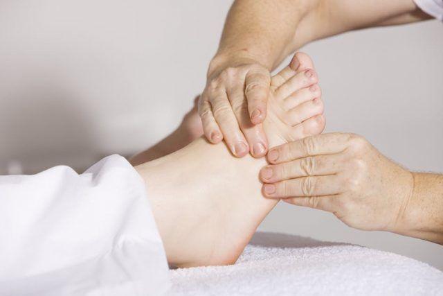 picioare umflate în semnele articulare boala brusc a articulațiilor mâinilor